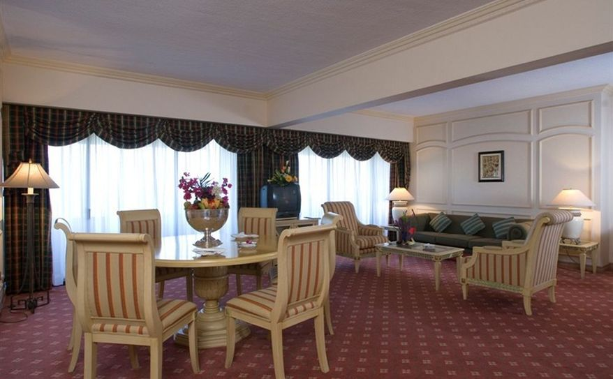 Suite Dining