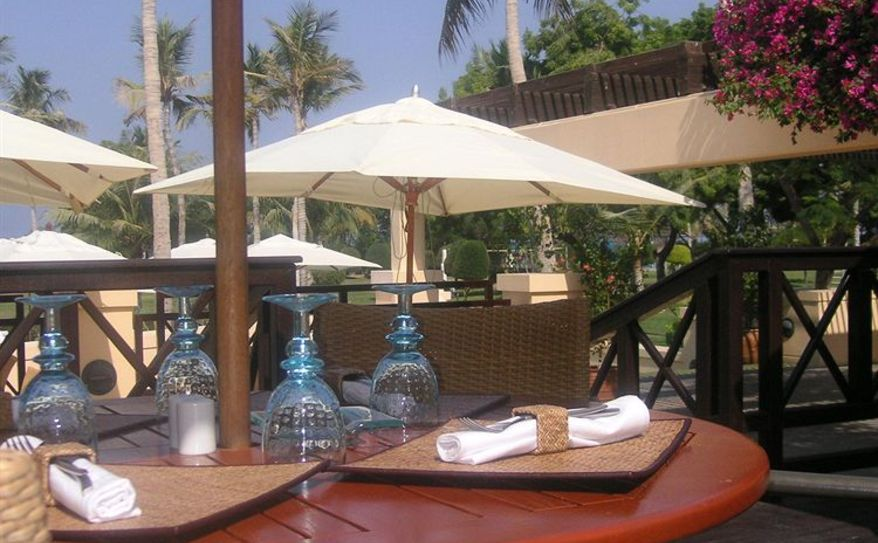 Tomato Restaurant on pool side