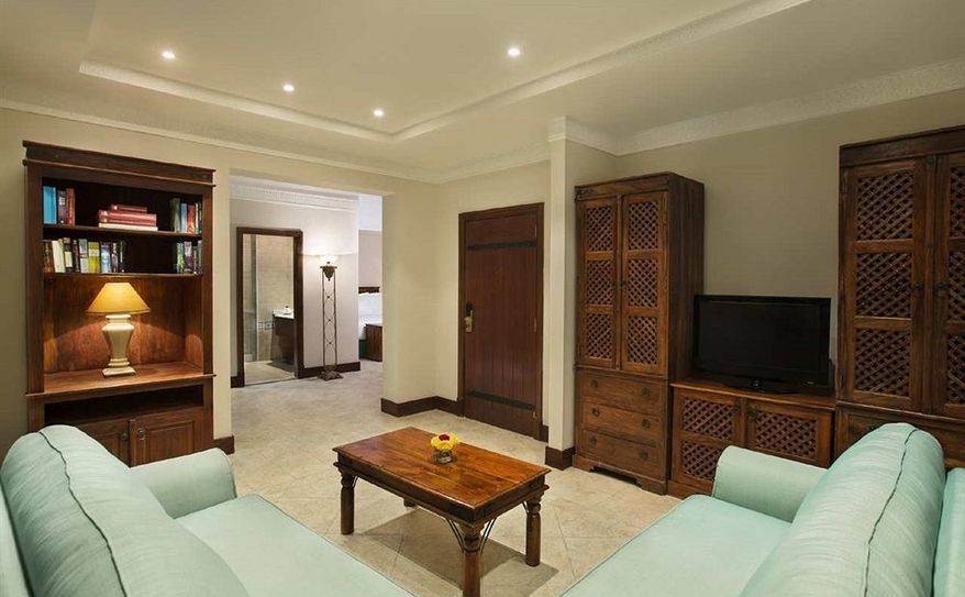 2 King Beds Junior Suite Living Room