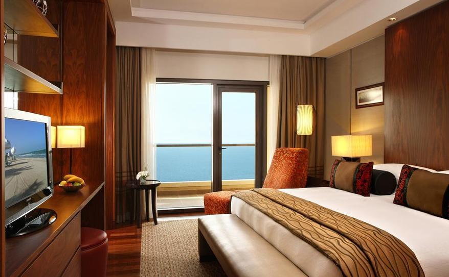 Classic Sea View Suite