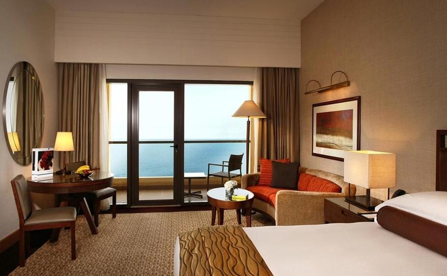 Club Rotana Sea View Room