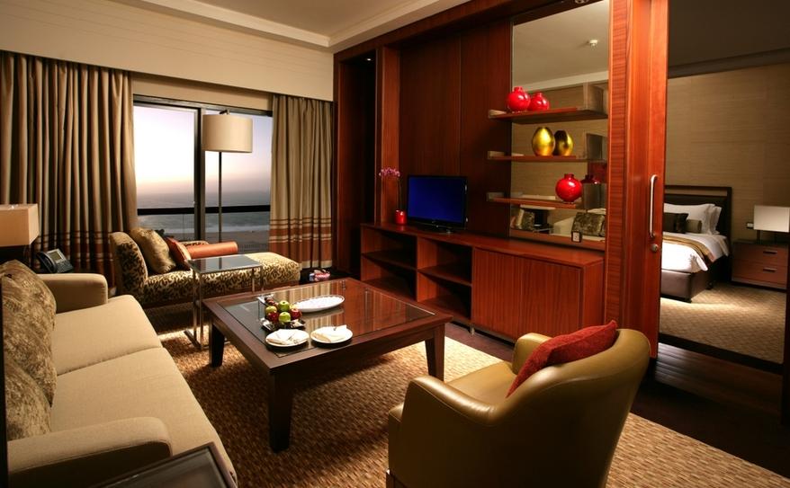 Club Rotana Sea View Suite