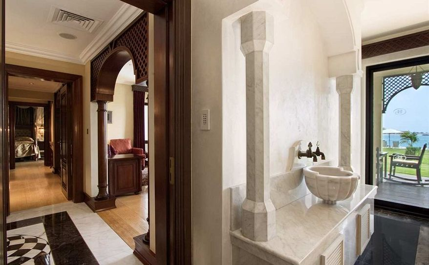 Royal Suite Beach Villa