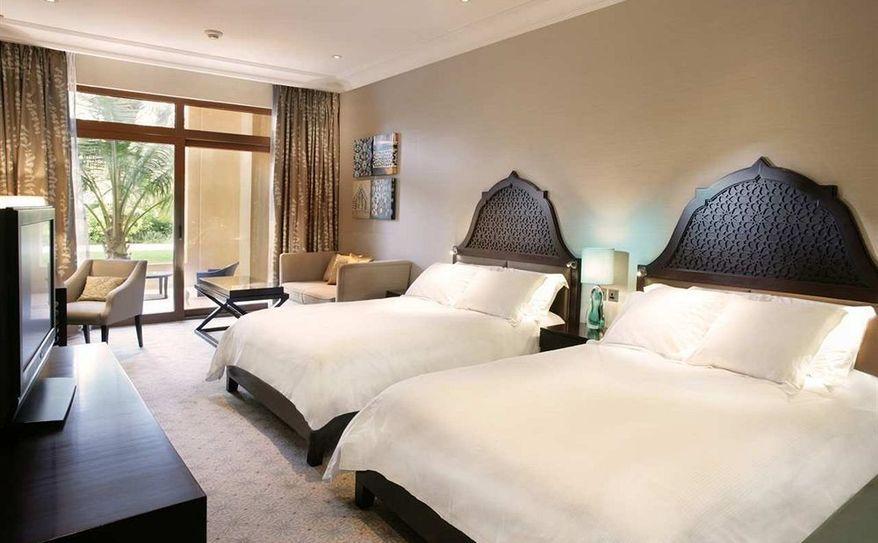 DBL Queen Hilton Guestroom