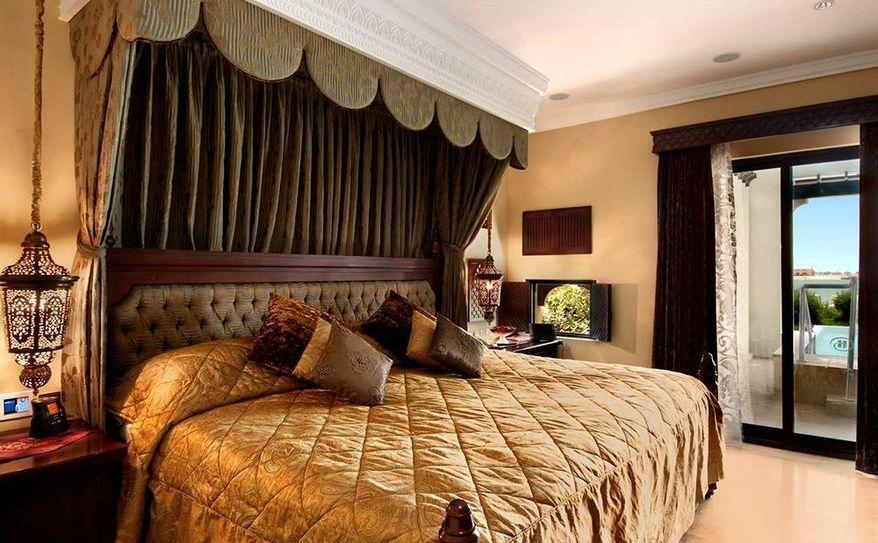 Royal Suite Beach Villa Bedroom