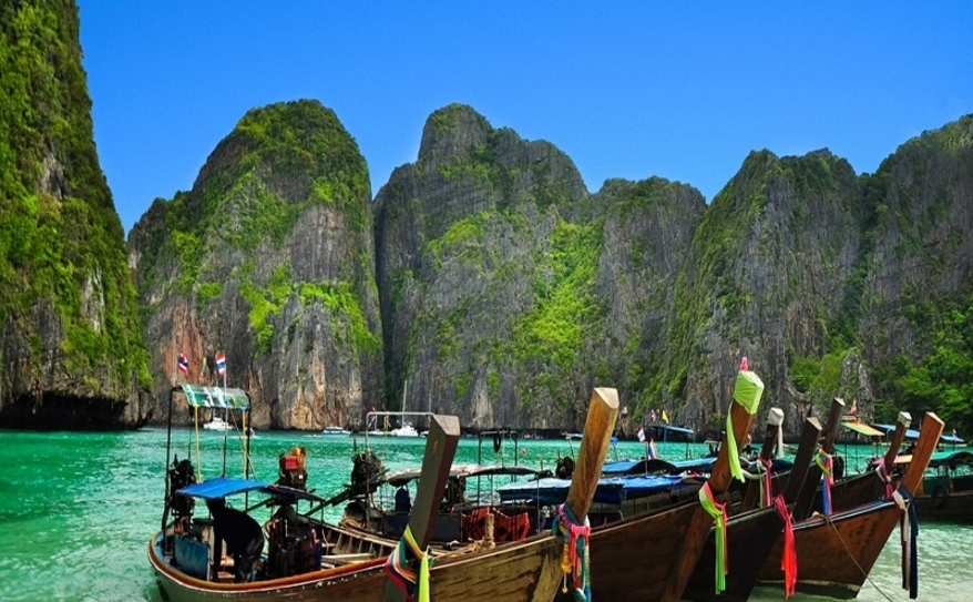 Phi Phi Island Discovery
