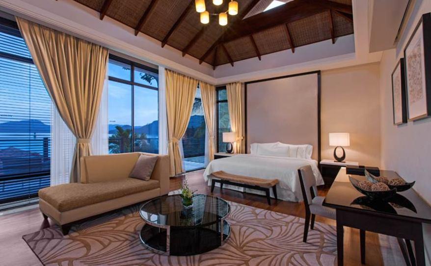 Five-Bedroom Villa - Master Bedroom