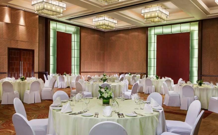 Grand Ballroom Banquet Style