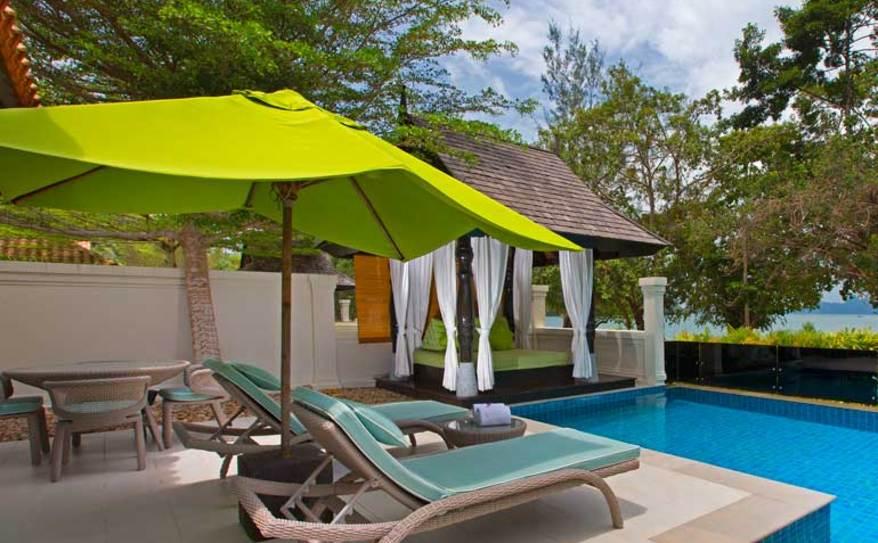 One Bedroom Ocean Front Villa - Poolside