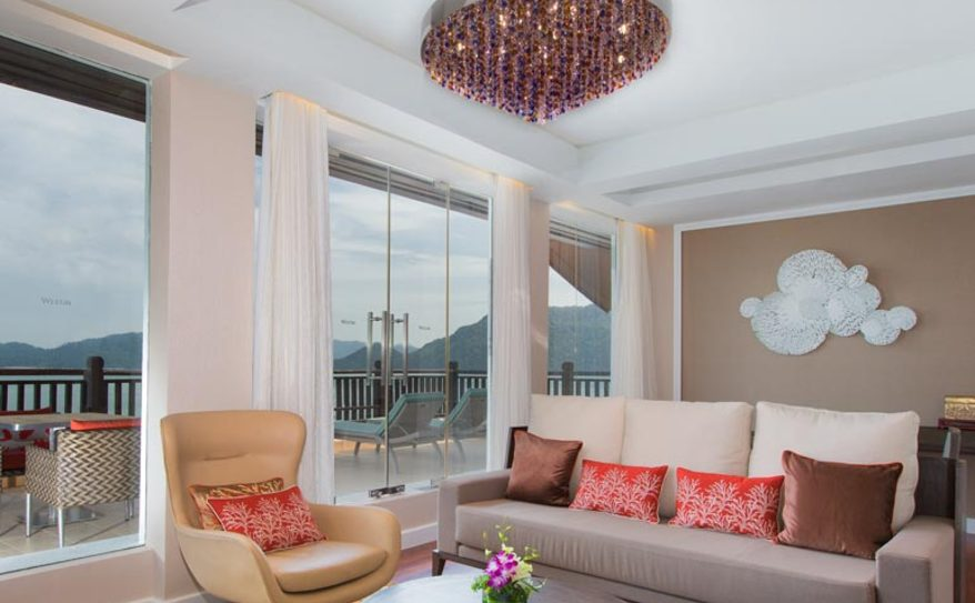 One Bedroom Ocean Suite - Living Area