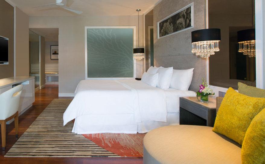 One-Bedroom Ocean Facing Suite - Bedroom