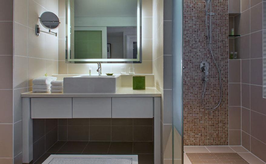 Superior Room - Superior Patio Room - Bathroom