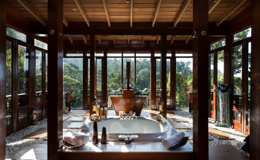 Villa Hutan Master Bathroom