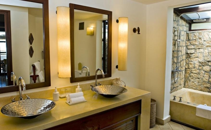 Deluxe Sea View Room- Bathroom