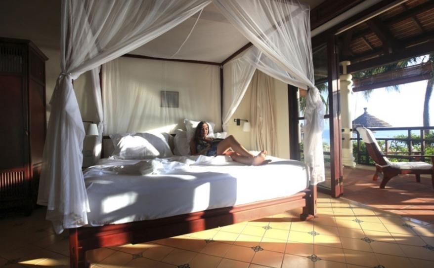 Deluxe Beach Front Room- Bedroom