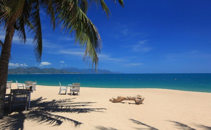 Tranquil Beach at Ana Mandara