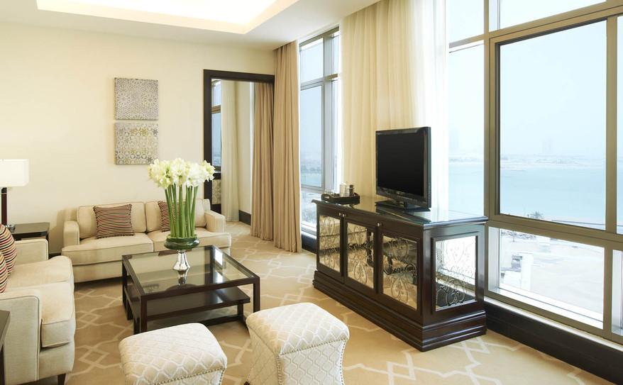 The Caroline Astor Suite-Living Room