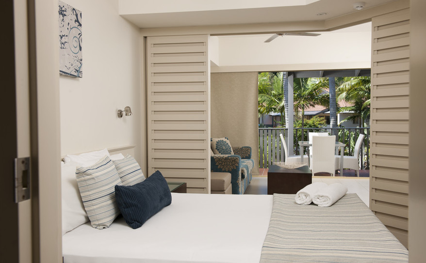 1 Bedroom Deluxe Bedroom – Mantra French Quarter
