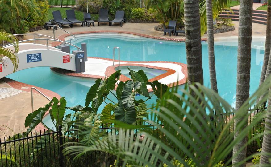Mantra-French-Quarter-Swimming-Pool1