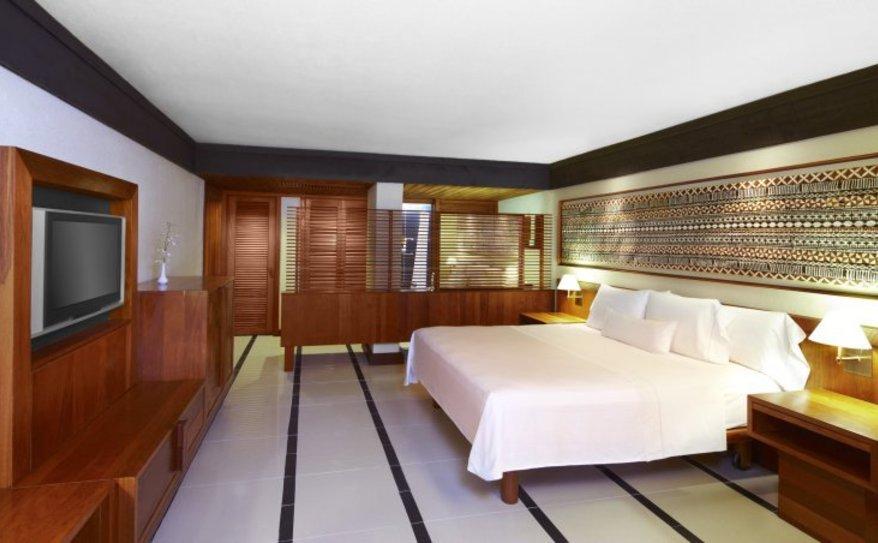 Ocean Breeze Room