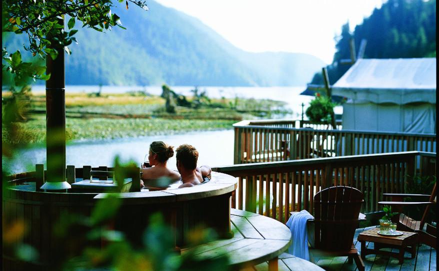 romantic ocean view hot tub!