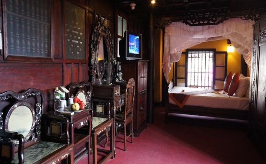 Heritage Suite 208