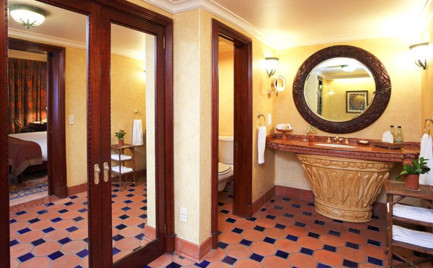 Superior Luxury Pool-facing Room